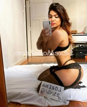 Carmele massage escorte trans