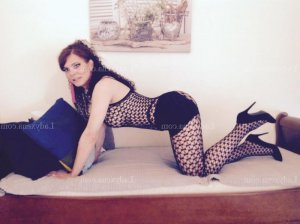 Ilinka lovesita massage sexy escorte girl