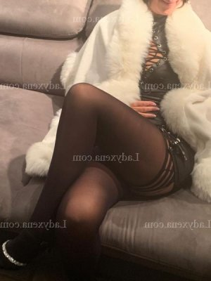 Crestina massage érotique escort girl 6annonce à Vitry-le-François